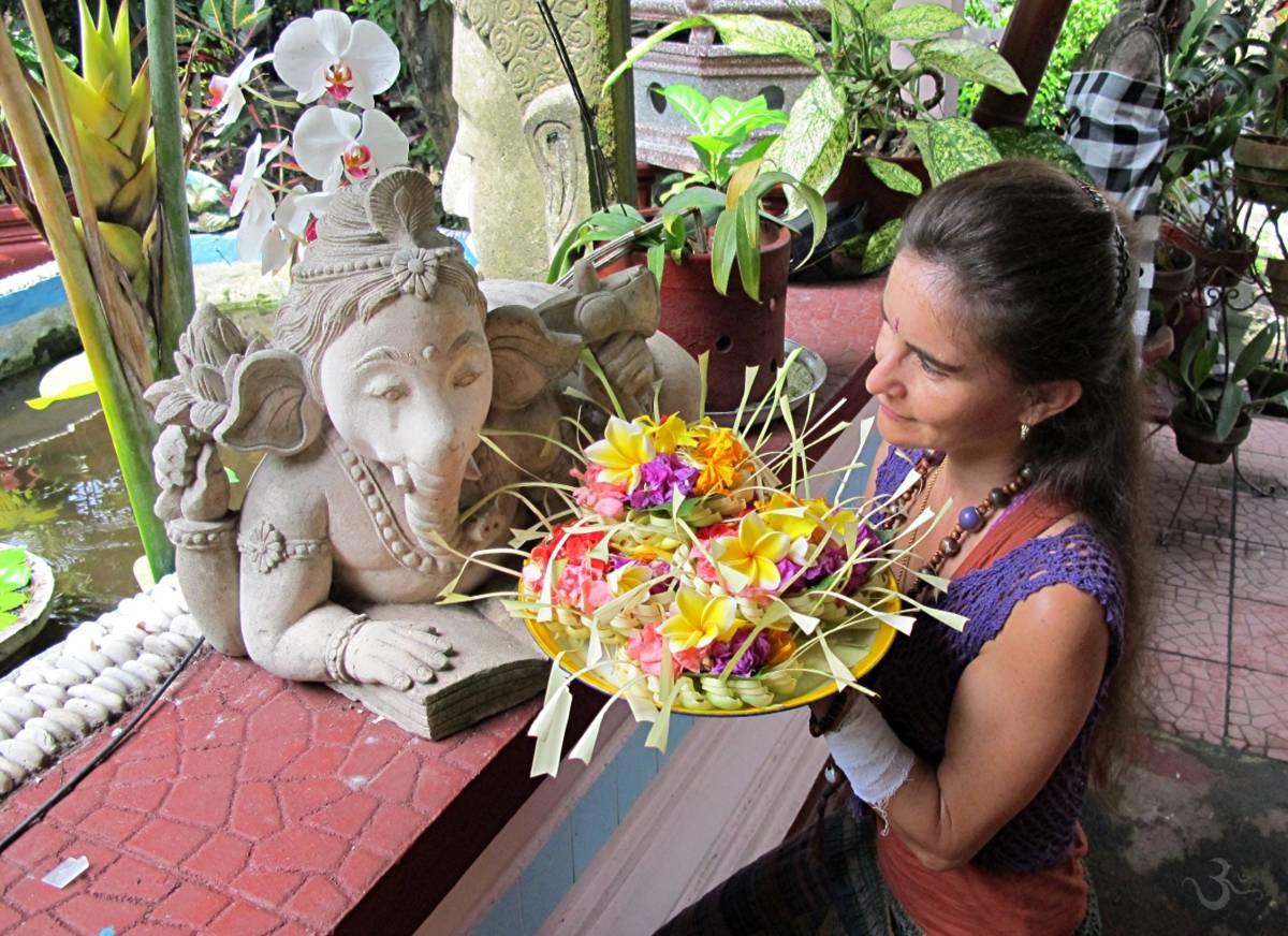 Canang offerings for Ganesha, the house and car